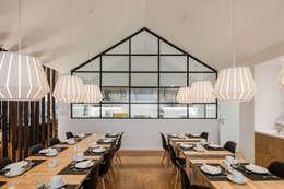 Sobreiras - Alentejo Country Hotel: Salas de jantar modernas por FAT - Future Architecture Thinking