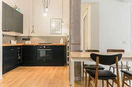 Casa M&C: Cucina in stile in stile Moderno di Angelo Talia