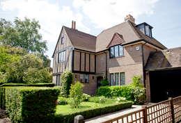 Projekty, nowoczesne Domy zaprojektowane przez XUL Architecture