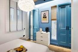 Habitaciones de estilo mediterráneo por Egue y Seta