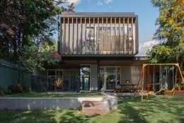 Projekty, nowoczesne Domy zaprojektowane przez Thomas Löwenstein arquitecto