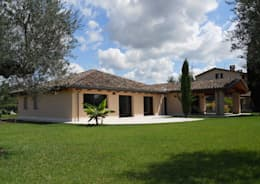 classic Houses by Costantini Case in Legno