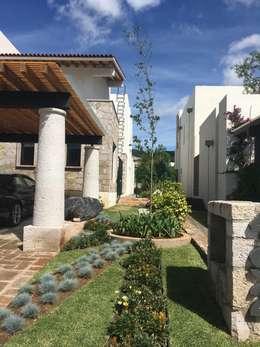 Jardines de estilo moderno por SCH2laap arquitectura + paisajismo