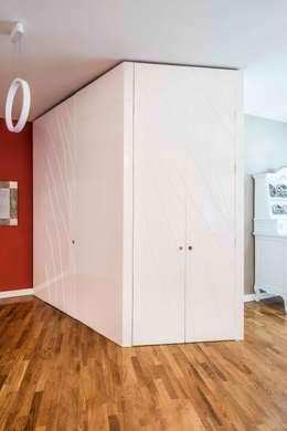 Corridor & hallway by UAU un'architettura unica