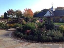 landelijke Tuin door Charlesworth Design