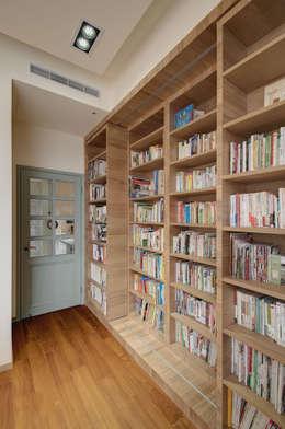 Рабочие кабинеты в . Автор – 芸采創意空間設計-YCID Interior Design