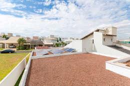 Nhà by Diego Alcântara  - Studio A108 Arquitetura e Urbanismo
