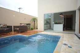 Casas de estilo moderno por Jorge Machado arquitetura