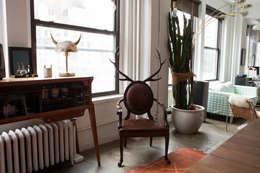 Salas de estilo ecléctico por MERVE KAHRAMAN PRODUCTS & INTERIORS