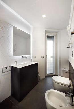 Baños de estilo moderno de Gruppo Castaldi | Roma