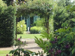 Vườn by Charlesworth Design