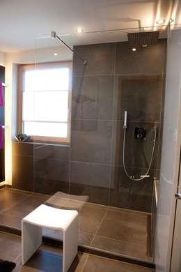 modern Bathroom تنفيذ HEIMWOHL GmbH