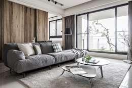 Phòng khách by 理絲室內設計有限公司 Ris Interior Design Co., Ltd.