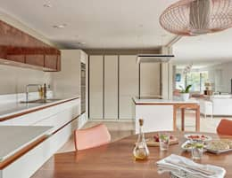 Cocina de estilo  por Stonehouse Handmade Bespoke Kitchens