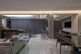 Salas de estilo moderno por Dekor Design