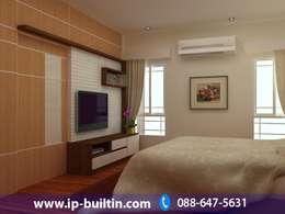 ตกแต่งภายใน  บ้าน มัณฑณา ห้องนอนใหญ่:   by IP BUILT IN
