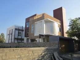 BYSANI RESIDENCE, BANGALORE: modern Houses by Parikshit Dalal Design + Architecture