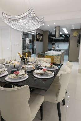 Integração Sala de Jantar e Cozinha : Salas de jantar modernas por Carolina Fontes Arquitetura