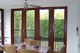 Cerramientos Aneeta: Puertas y ventanas de estilo moderno por Ayuso Euro Systems