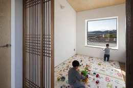 Dormitorios infantiles de estilo asiático por 에이오에이 아키텍츠 건축사사무소 (aoa architects)