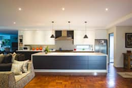 House Pont: modern Kitchen by Swart & Associates Architects
