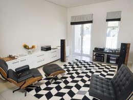 House Morningside: minimalistic Media room by Principia Design