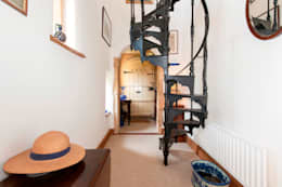 country Corridor, hallway & stairs by press profile homify
