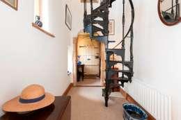 Corridor & hallway by press profile homify