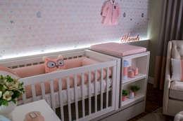 Phòng trẻ em by Treez Arquitetura+Engenharia
