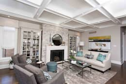 Texture and style: classic Living room by Frahm Interiors