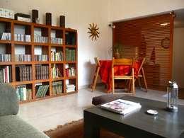 Casa de campo en Villas de Galindo: Comedores de estilo ecléctico por Alberto M. Saavedra