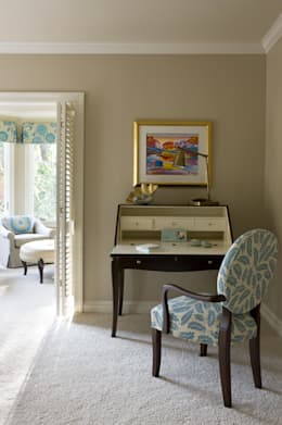 Caribbean Dream - Bedroom Writing Desk: classic Bedroom by Lorna Gross Interior Design