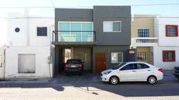 Fachada frontal: Casas de estilo moderno por 21 Arquitectura