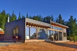 Casas de estilo moderno por AtelierStudio