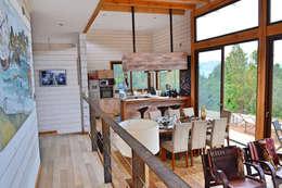 Casa Vichuquén: Livings de estilo moderno por AtelierStudio