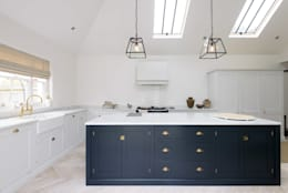scandinavian Kitchen by deVOL Kitchens