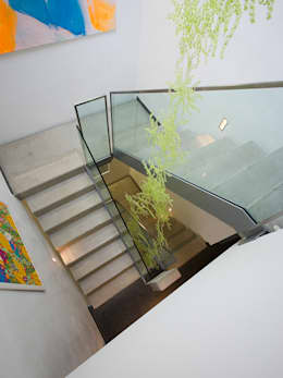 Corridor & hallway by Gaus & Knödler Architekten