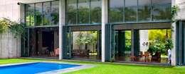 Casas modernas por AIRCLOS