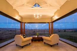 Casas de estilo moderno por AIRCLOS