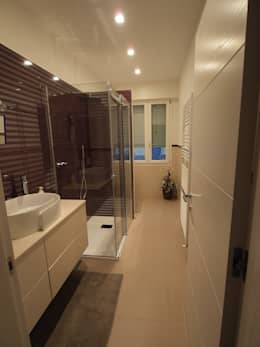 Casa A1 - Ristrutturazione casa di civile abitazione: Bagno in stile in stile classico di duedì - studio di progettazione