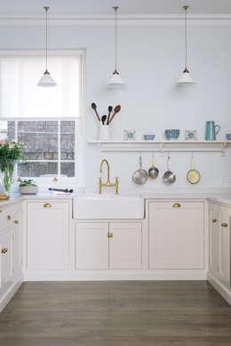 Cozinhas clássicas por deVOL Kitchens