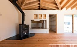 かぶら束の家: 田村淳建築設計事務所が手掛けたダイニングです。