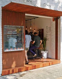 <경성커피>: marcil studio의  상업 공간