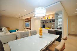 classic Dining room by Condecorar Arquitetura e Interiores