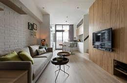 Salas de estilo escandinavo por 耀昀創意設計有限公司/Alfonso Ideas