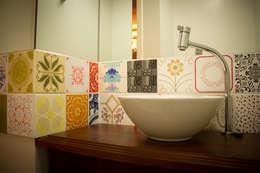 modern Bathroom by Kris Bristot Arquitetura