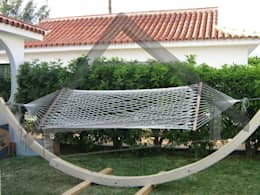 Jardines de estilo moderno por Atiwood S.L.