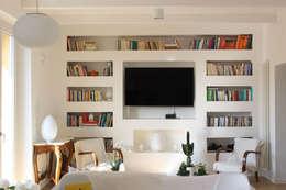 Salas / recibidores de estilo moderno por redesign lab