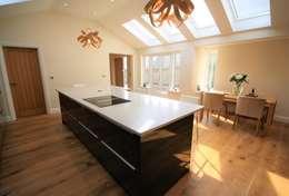 Cocinas de estilo moderno por Kitchencraft