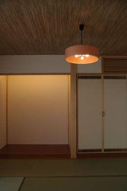 臥室 by 磯村建築設計事務所